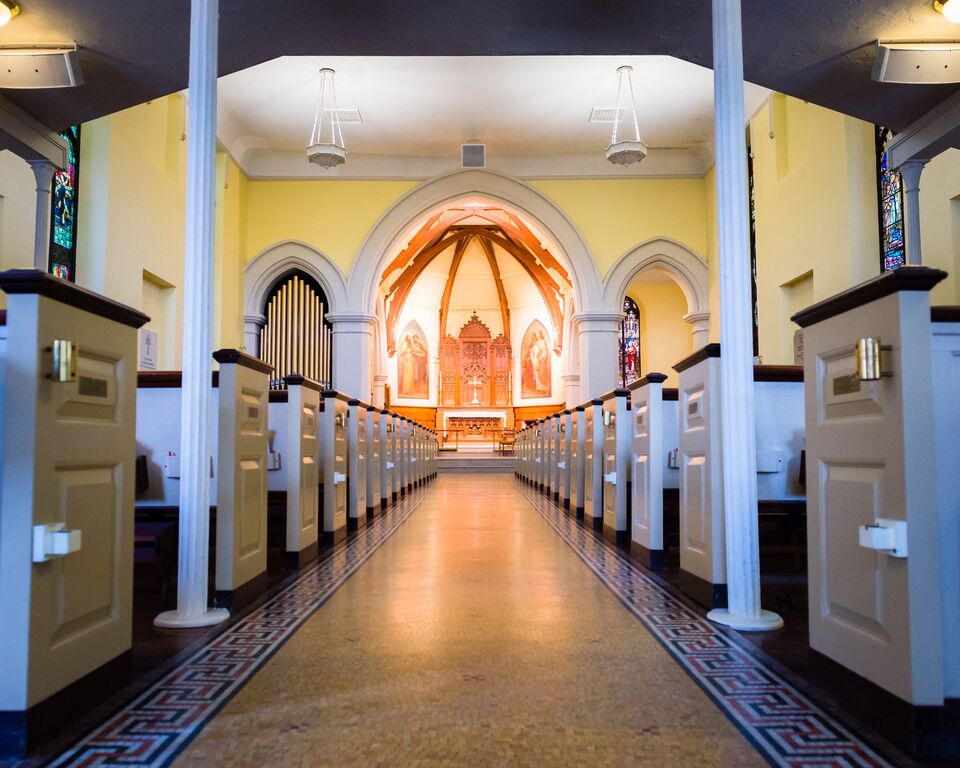 0e4387990_1437671176_low-view-church